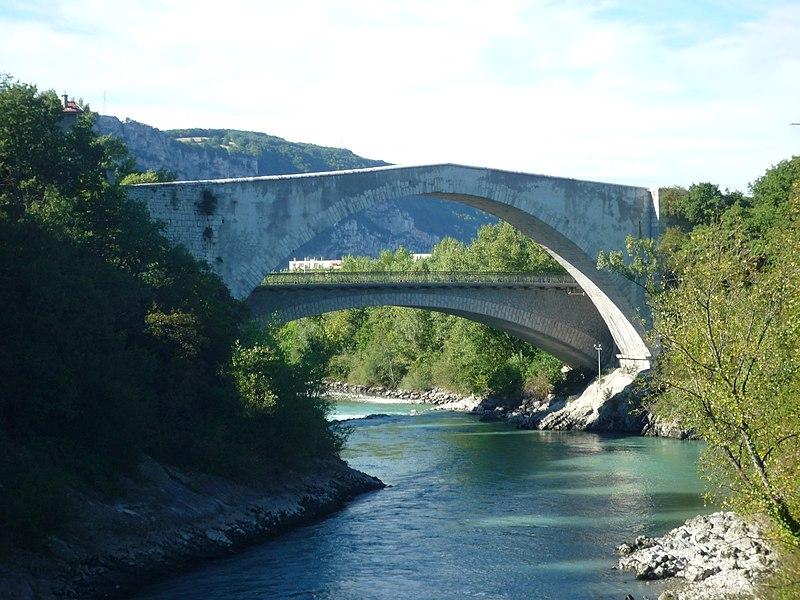 Photo du Monument Historique Vieux pont sur le Drac (également sur commune de Claix) situé à Le Pont-de-Claix