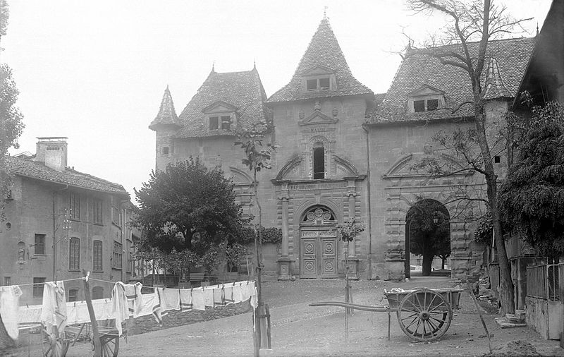 Photo du Monument Historique Ancienne abbaye, actuellement hôtel de ville situé à Saint-Antoine-l'Abbaye