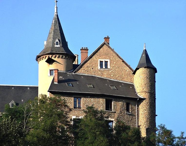 Photo du Monument Historique Château d'Uriage situé à Saint-Martin-d'Uriage