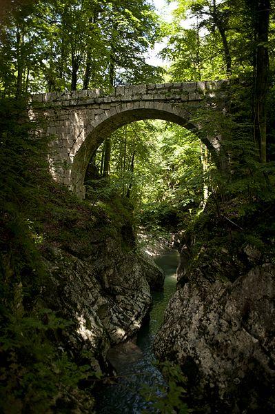 Photo du Monument Historique Pont Perent sur le Guiers-Mort situé à Saint-Pierre-de-Chartreuse