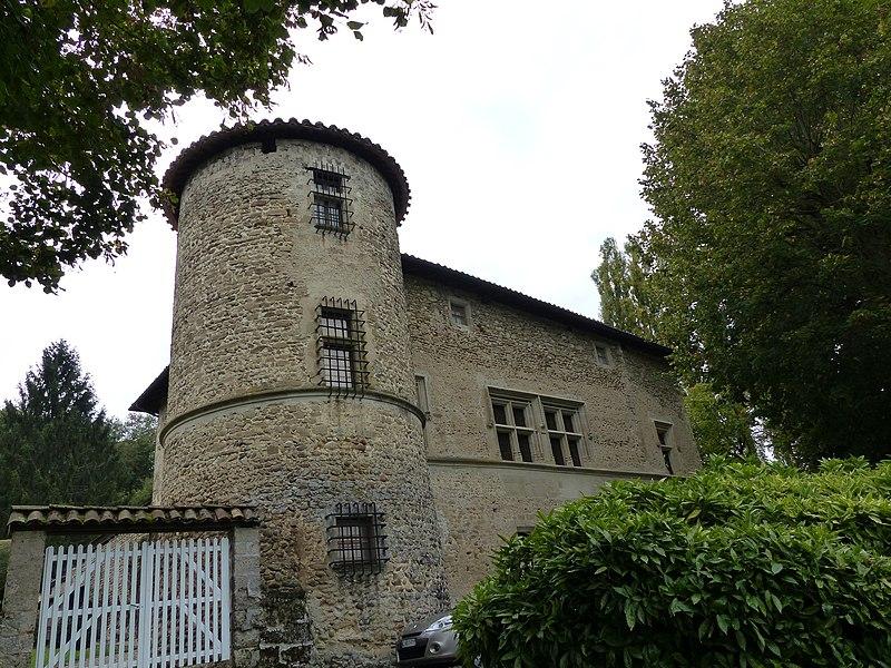 Photo du Monument Historique Château de Quincivet situé à Saint-Vérand