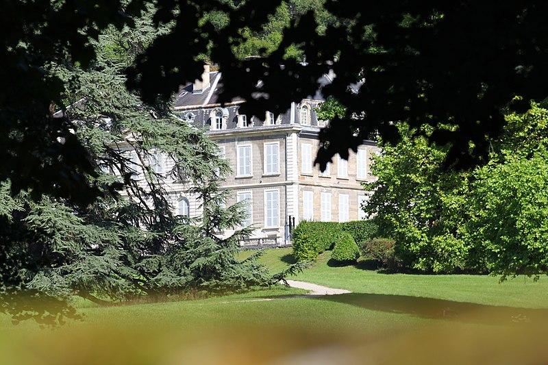 Photo du Monument Historique Château et son parc situé à Tencin