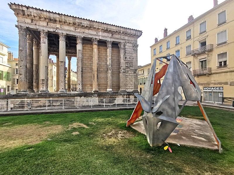 Photo du Monument Historique Temple d'Auguste et de Livie situé à Vienne