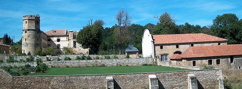 Photo du Monument Historique Château de l'Arthaudière situé à Saint-Bonnet-de-Chavagne