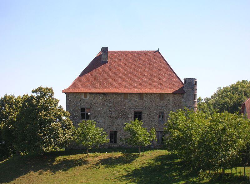 Photo du Monument Historique Château de Bellegarde situé à Chassignieu