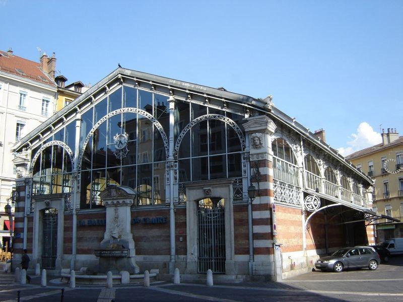 Photo du Monument Historique Marché couvert dit Halle Sainte-Claire situé à Grenoble