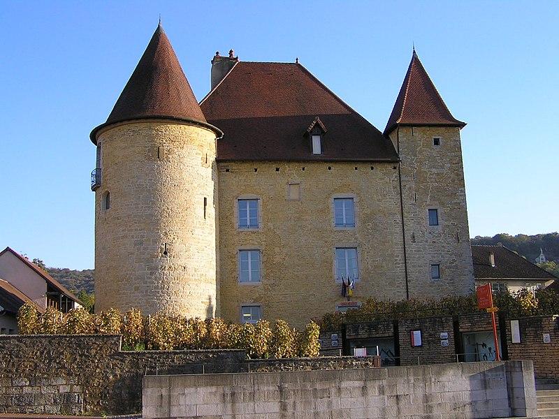 Photo du Monument Historique Château Pécaud et Tour Velfaux situé à Arbois