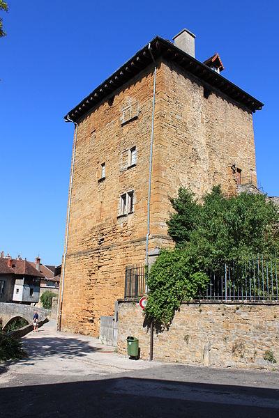 Photo du Monument Historique Tour Gloriette situé à Arbois