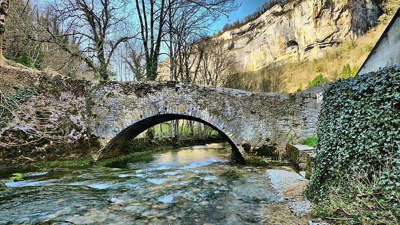 Photo du Monument Historique Vieux pont sur la Seille situé à Baume-les-Messieurs