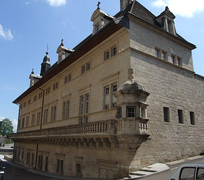 Photo du Monument Historique Hôtel-Dieu situé à Dole