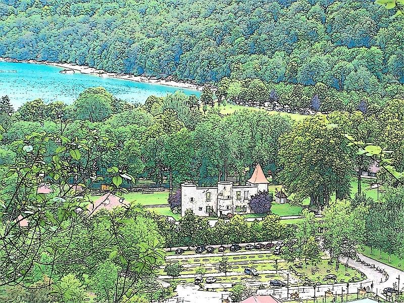 Photo du Monument Historique Château de Chalain (ruines) situé à Fontenu