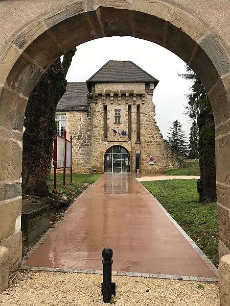 Photo du Monument Historique Château situé à Lavans-lès-Dole