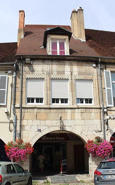 Photo du Monument Historique Maison situé à Lons-le-Saunier