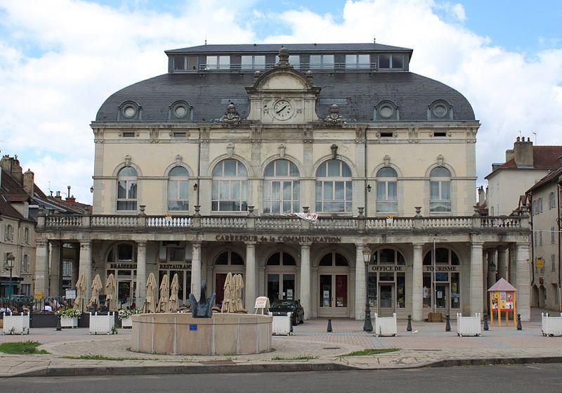 Photo du Monument Historique Théâtre situé à Lons-le-Saunier