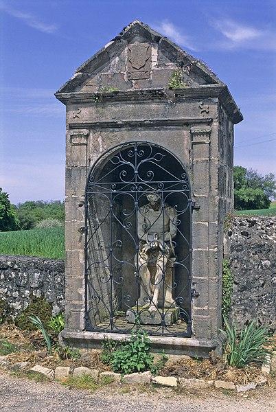 Photo du Monument Historique Oratoire avec statue du Dieu-de-Pitié situé à Menotey