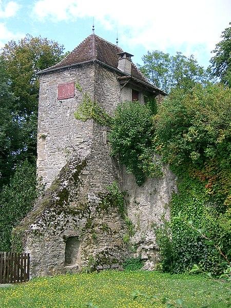 Photo du Monument Historique Château-fort (vestiges de l'ancien) situé à Orgelet