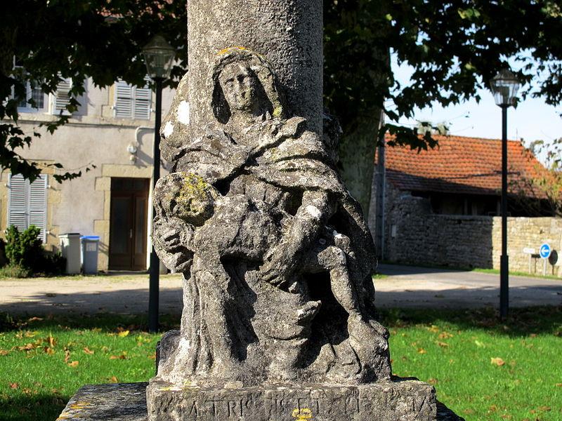 Photo du Monument Historique Croix de pierre datée de 1617 situé à Petit-Noir