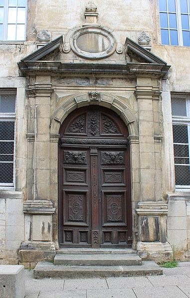 Photo du Monument Historique Collège situé à Poligny