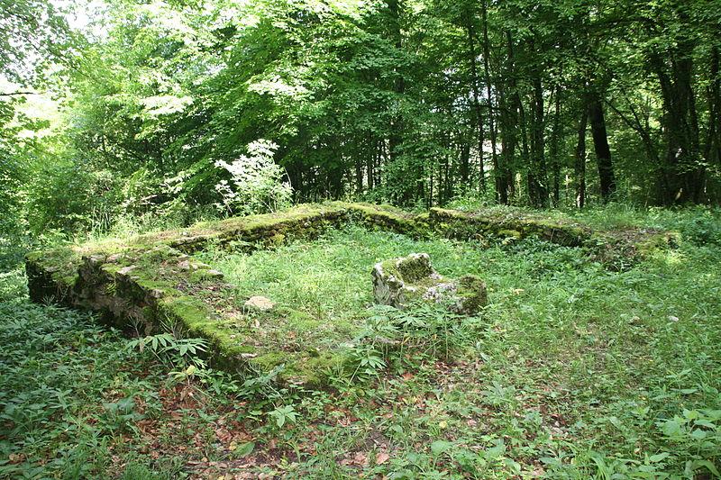 Photo du Monument Historique Petit temple antique ou fanum situé à Pupillin