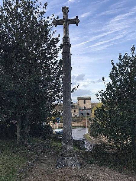 Photo du Monument Historique Croix de l'ancien cimetière situé à Rans