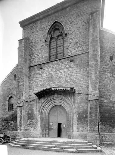 Photo du Monument Historique Eglise Saint-Maurice situé à Salins-les-Bains