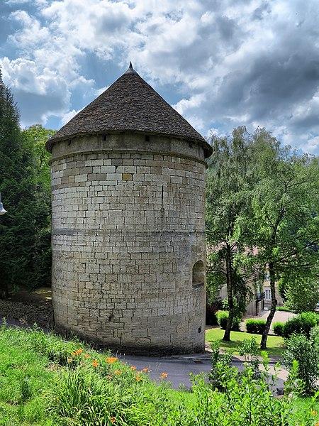 Photo du Monument Historique Tour d'Andelot situé à Salins-les-Bains