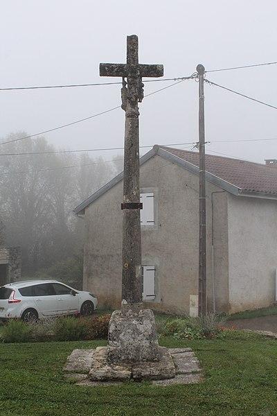 Photo du Monument Historique Croix situé à Thoissia