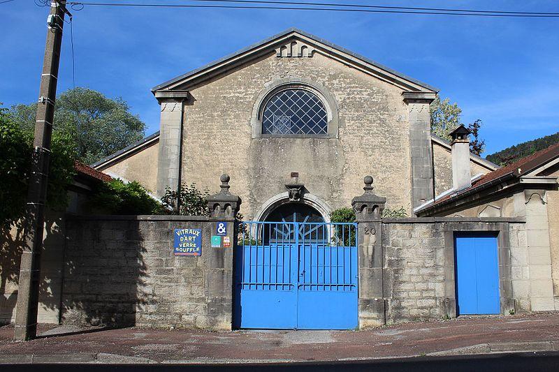 Photo du Monument Historique Abattoir municipal, actuellement entrepôt situé à Poligny