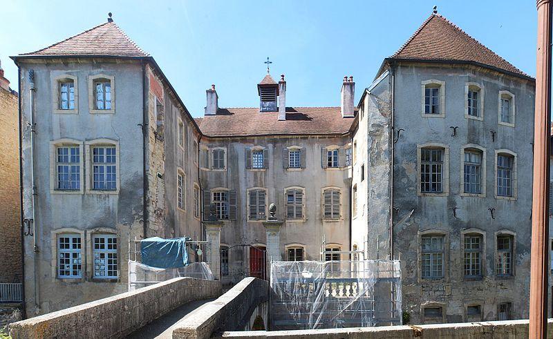Photo du Monument Historique Maison des Orphelins, actuellement école situé à Dole