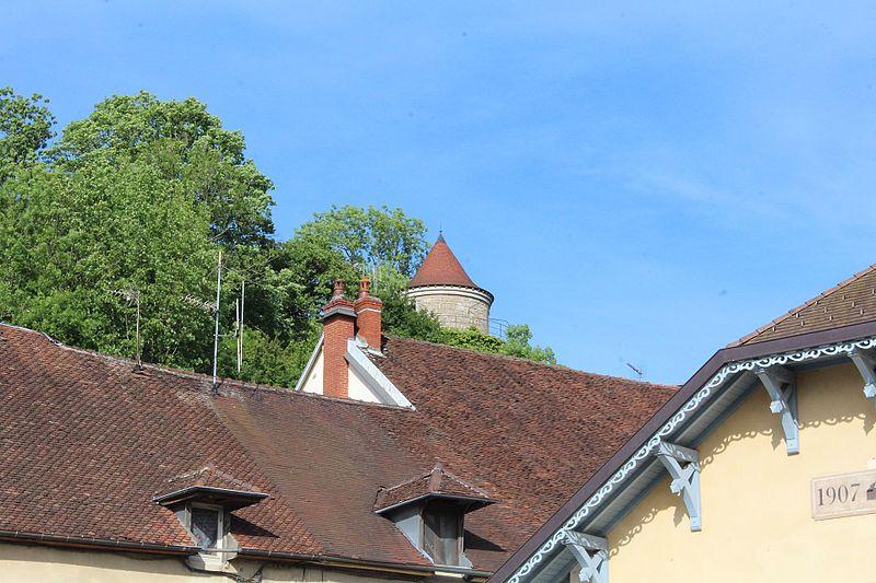 Photo du Monument Historique Enceinte urbaine situé à Poligny