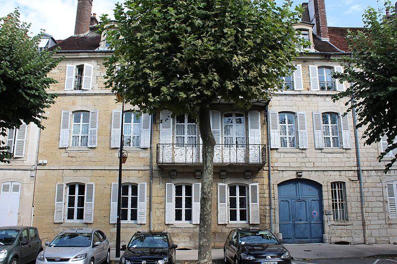 Photo du Monument Historique Hôtel de Lezay-Marnézia situé à Lons-le-Saunier