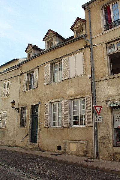 Photo du Monument Historique Maison dite hôtel de Foissy situé à Lons-le-Saunier