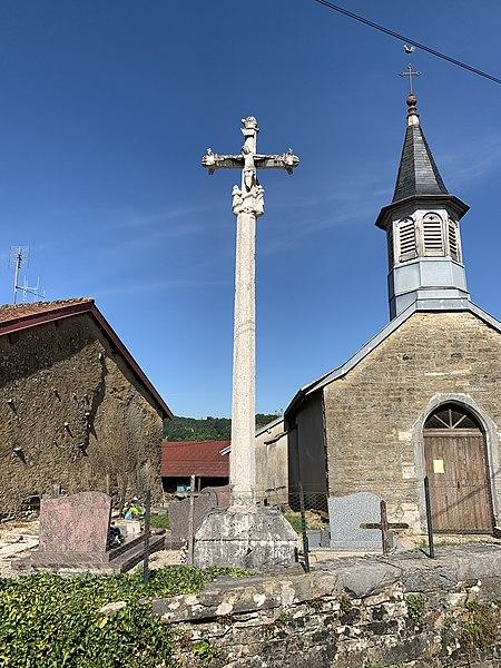 Photo du Monument Historique Croix du cimetière de Civria situé à Bourcia