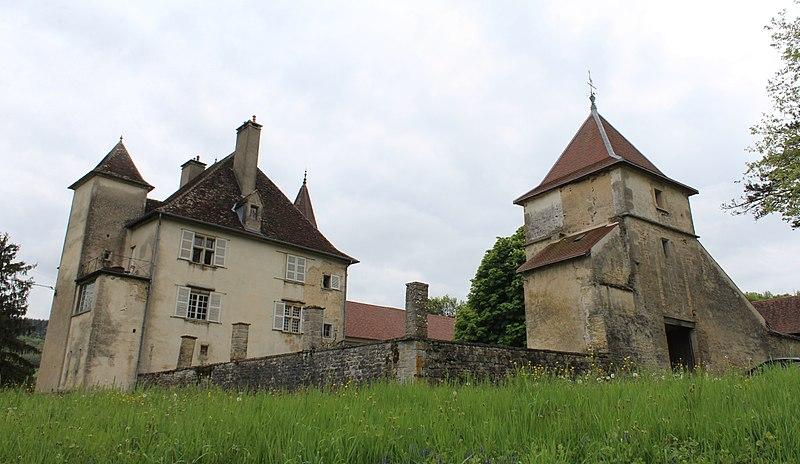 Photo du Monument Historique Château de la Sauge situé à Saint-Lamain