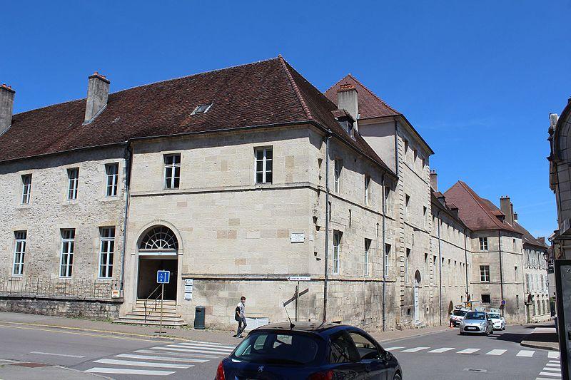 Photo du Monument Historique Collège Saint-Jérôme situé à Dole