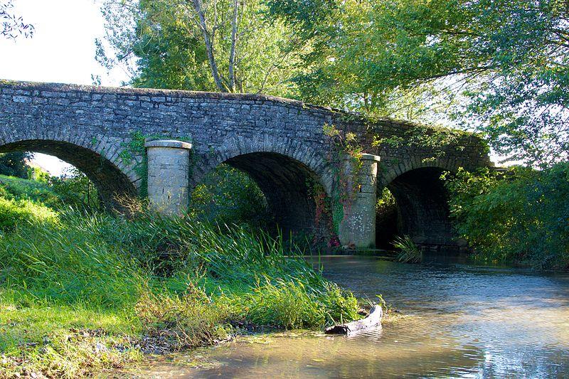 Photo du Monument Historique Pont de la Raie des Moutelles (également sur commune de Dole) situé à Crissey