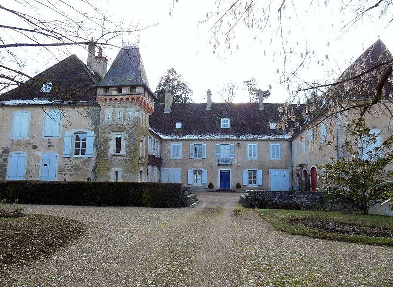 Photo du Monument Historique Château de Brans situé à Brans