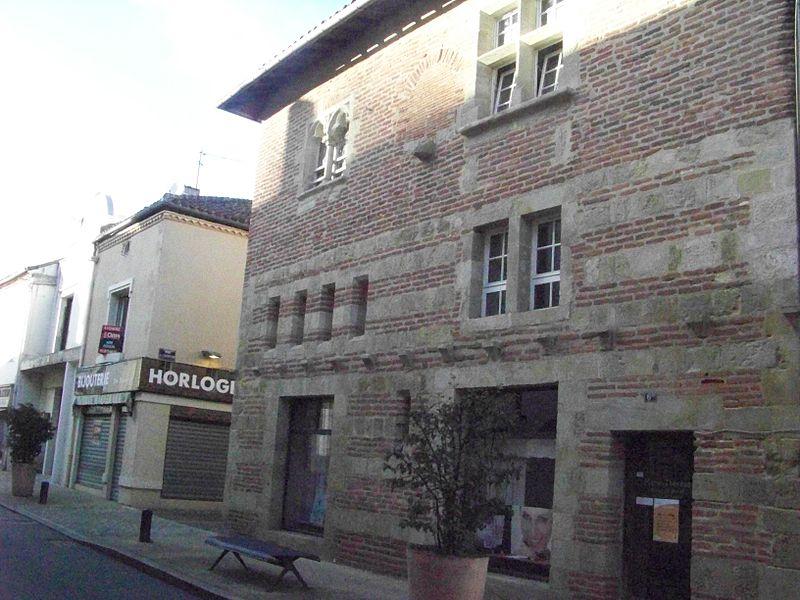 Photo du Monument Historique Maison du 14e siècle situé à Aire-sur-l'Adour