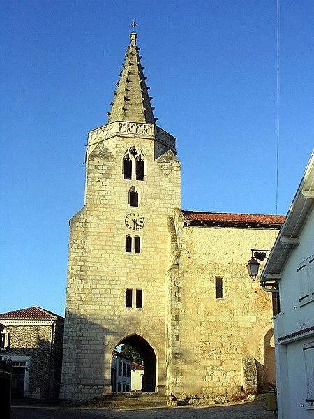 Photo du Monument Historique Eglise Saint-Saturnin situé à Brassempouy