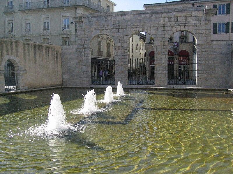 Photo du Monument Historique Fontaine Chaude situé à Dax