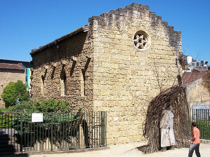 Photo du Monument Historique Ancienne Chapelle romane situé à Mont-de-Marsan