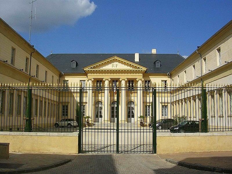 Photo du Monument Historique Hôtel de la Préfecture situé à Mont-de-Marsan