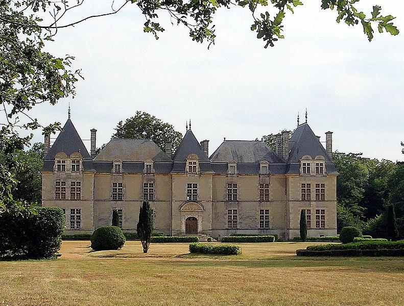 Photo du Monument Historique Château de Ravignan situé à Perquie