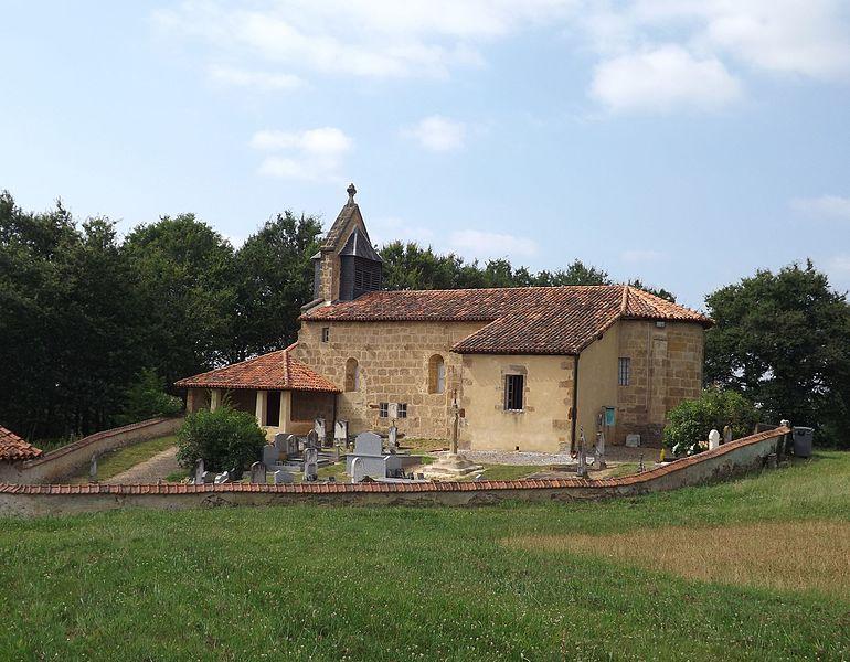 Photo du Monument Historique Eglise de Sainte-Croix situé à Carcarès-Sainte-Croix