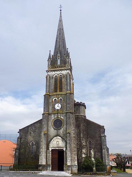 Photo du Monument Historique Eglise Saint-Martin situé à Pouillon