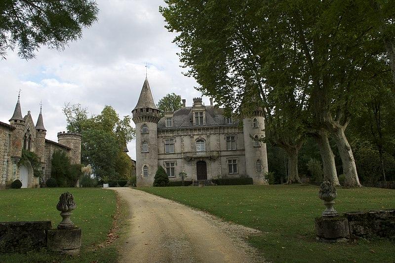 Photo du Monument Historique Domaine de Fondat situé à Saint-Justin