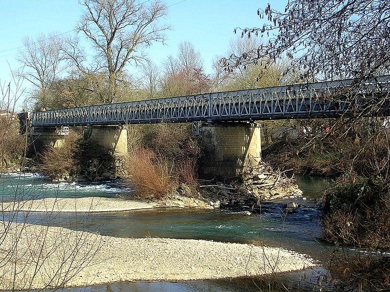 Photo du Monument Historique Pont métallique sur l'Adour situé à Cazères-sur-l'Adour