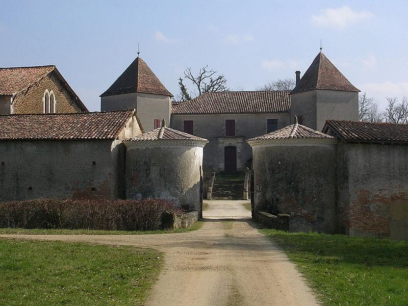Photo du Monument Historique Château de Rochefort-Lavie situé à Belhade