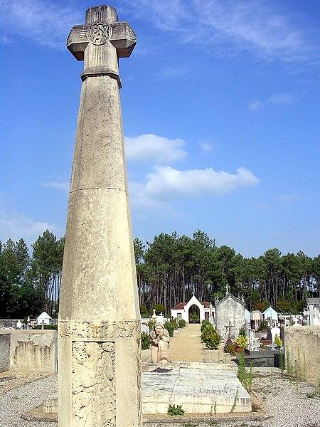 Photo du Monument Historique Monument aux morts situé à Onesse-et-Laharie