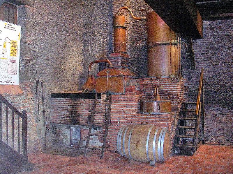 Photo du Monument Historique Alambic du domaine d'Ognoas situé à Arthez-d'Armagnac